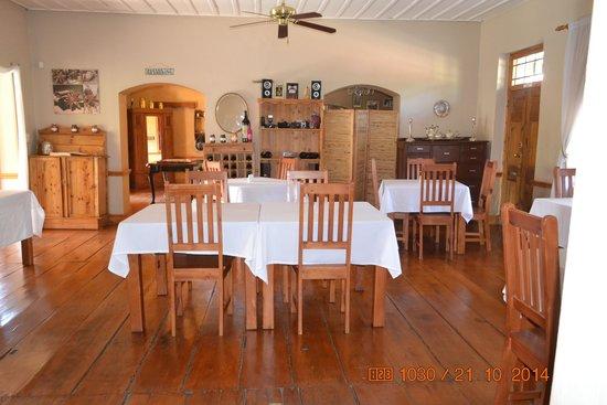 Karoo Life Bed & Breakfast: Dining Room
