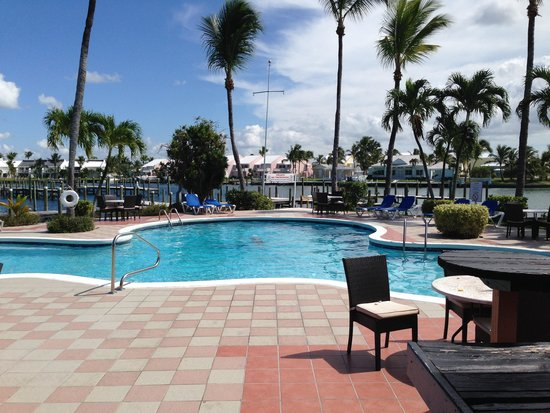 Treasure Cay Beach, Marina & Golf Resort: The hotel pool