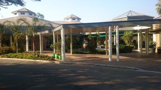 Cresta Lodge Gaborone : Way to Cresta Reception