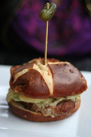 La Pinata: Burger minuscule et mieux vaut ne pas le goûter..