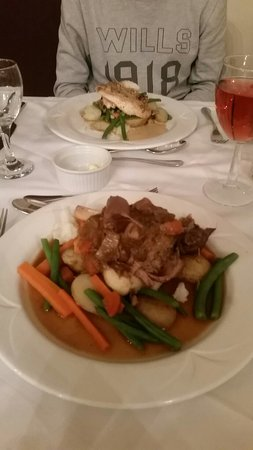 BEST WESTERN Moore Place Hotel: Chicken and mushroom sauce. Lamb shank