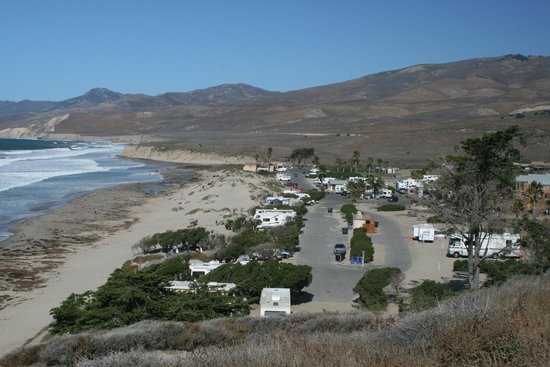 Jalama Beach County Park: View of the grounds on the way out/in