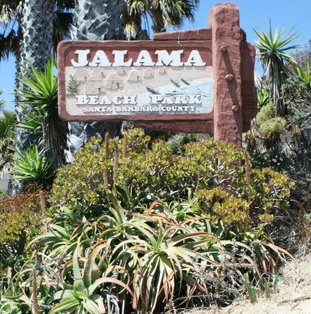Jalama Beach County Park: Entrance