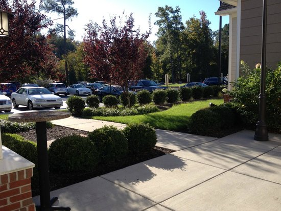 Residence Inn Richmond Chester: View from Firepit Courtyard
