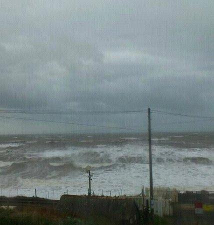 Tarnside Caravan Park: Stormy Sea
