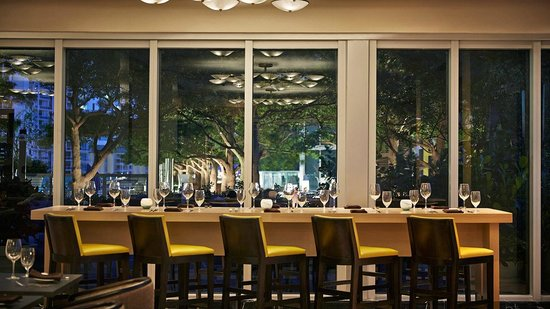 W Miami: 15th & Vine Kitchen & Bar