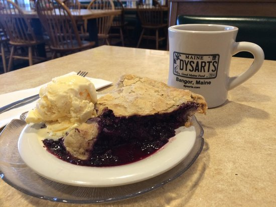 Dysart's Restaurant: Blueberry pie and hot coffee. It was very good.