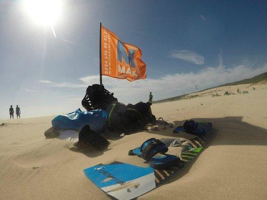Tarifa Max Kitesurf School: Punto Paloma beach