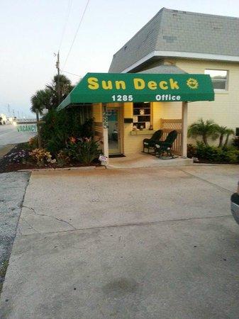 Sun Deck Motel: Office