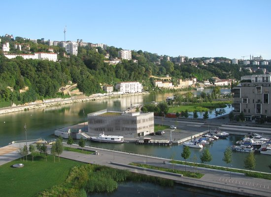 Novotel Lyon Confluence: Vanuit de kamer