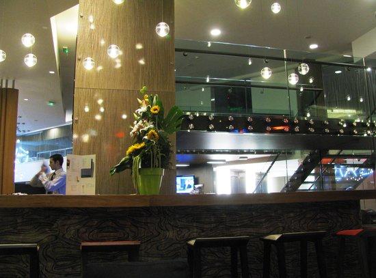 Novotel Lyon Confluence: In de bar