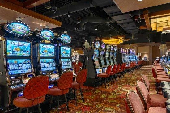Diamond Jo Casino: Casino Floor