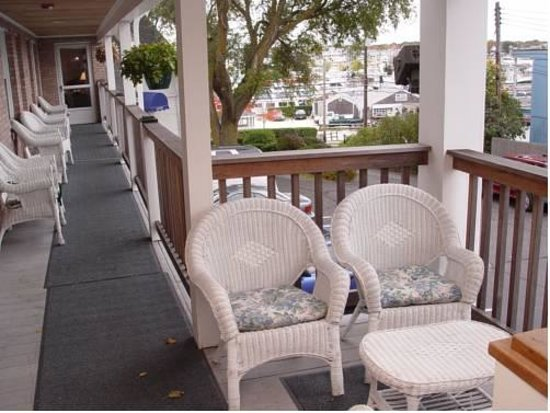 Cape Cod Harbor House Inn: Balcony