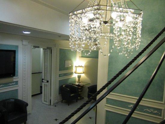 Hotel Virgilio: Stairs