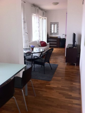 Bright and spacious - Picture of Residence le Terrazze, Trieste ...