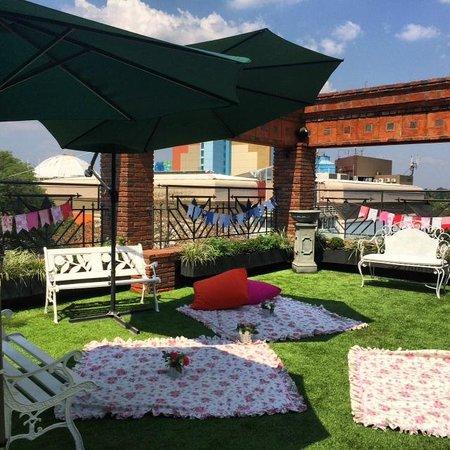 La Mision Hotel Boutique: Picnic roofgarden