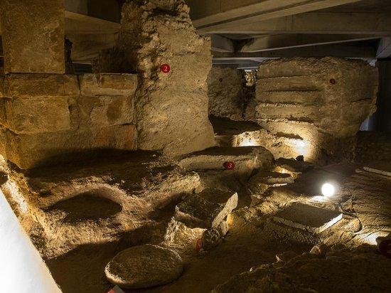 Museo del Foro de Caesar Augusta - Foto di Museo del Foro de Caesaraugusta, S...