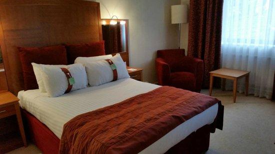 Holiday Inn Nottingham: Comfy bed