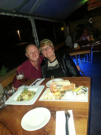 Alfresco's Restaurant and Bar : Batterless seafood and a vegetarian risotto