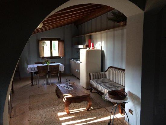Corte Uccellanda: Scorcio salotto cucina Galileo