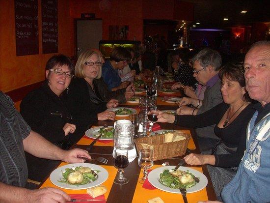 Repas entre amis picture of le bistro 287 cestas for Repas facile amis