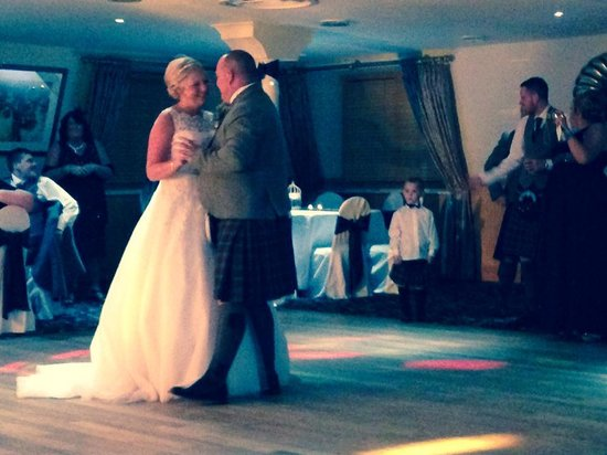 Deer Park Golf and Country Club: Our First Wedding Dance x
