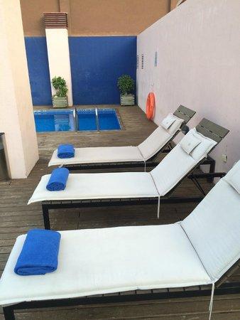 Onix Rambla Hotel: área da piscina