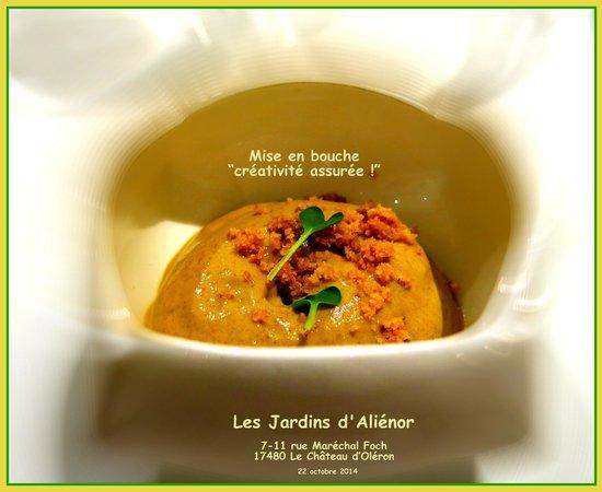Mini tarte au citron et sa boule de glace picture of restaurant les jardins d 39 alienor le - Les jardins d alienor chateau d oleron ...