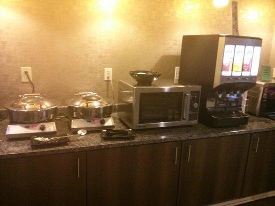 BEST WESTERN The Inn at Buffalo Airport: Breakfast cafe