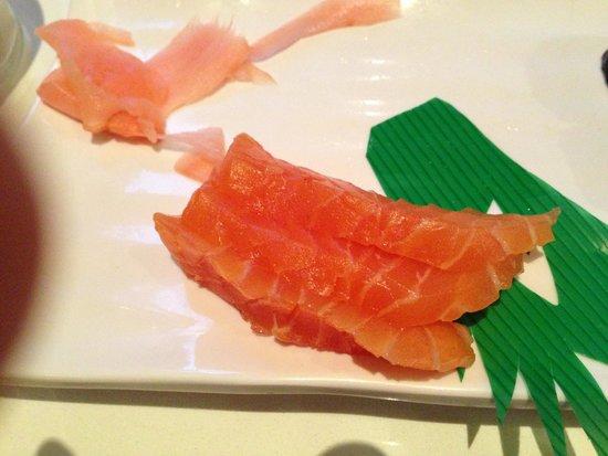 Ling's Cuisine : Not fresh sushi