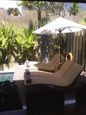 The Kumpi Villas: Pool Lounges