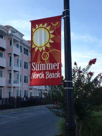 North Beach: Flag along board walk