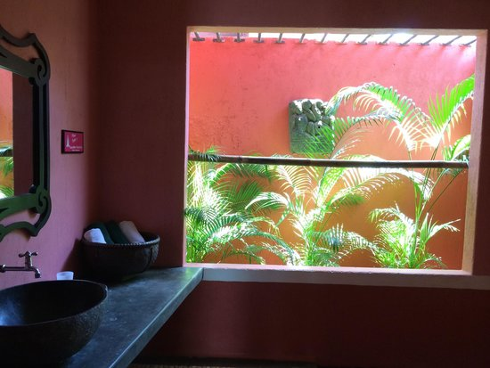PinkCoco Bali : bath