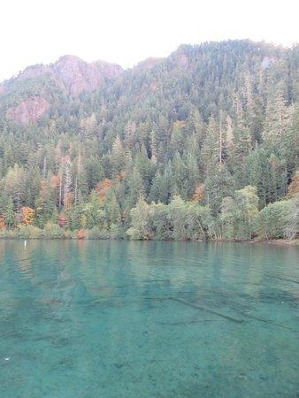Crescent Lake: Good light to see the aqua color