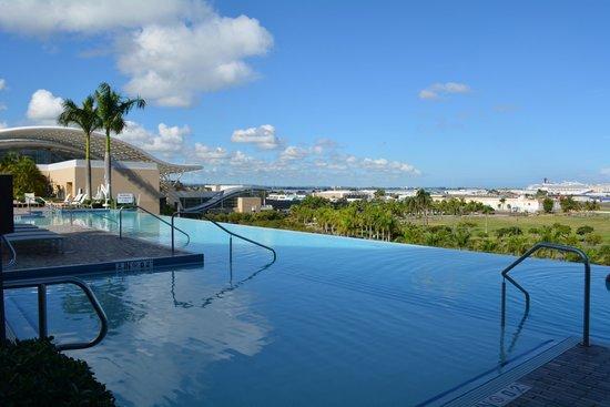 Piscina picture of sheraton puerto rico hotel casino for Piscinas de san juan