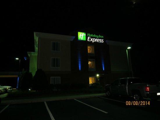 Holiday Inn Express Hotel & Suites Sylva-Western Carolina Area: .