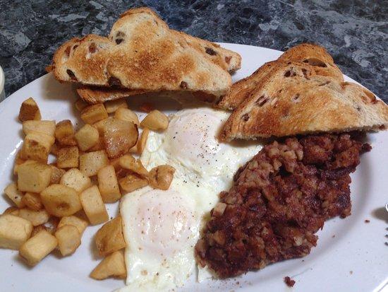 Molina's Cafe: Corned Beef Hash
