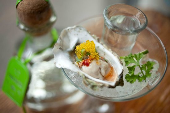 Acme Food Company : Fresh oysters on the half shell