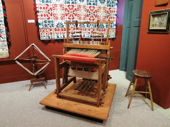 National Museum of the American Coverlet: Loom