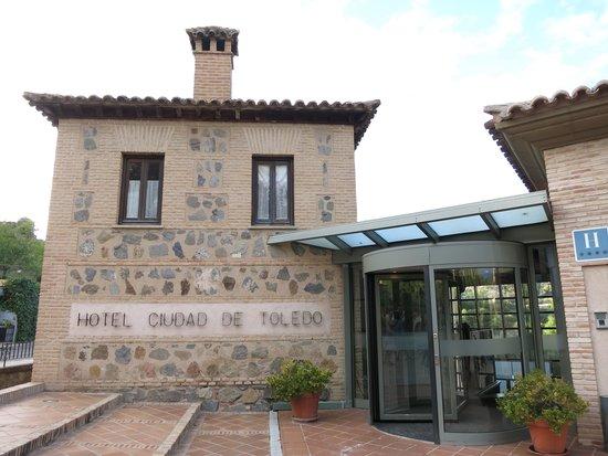 AC Hotel Ciudad de Toledo: Entrance
