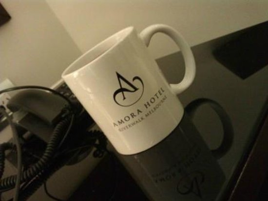 Amora Hotel Riverwalk Melbourne: Hooray! A real mug with the coffee/tea facilities!