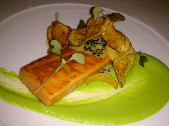 Seaduction: A very strange (strong) smoked salmon with chips