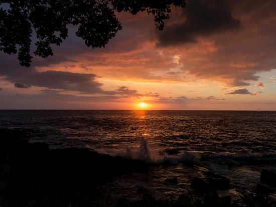Outrigger Royal Sea Cliff: Perfect Sunsets