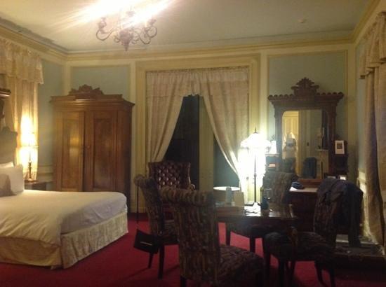 Batcheller Mansion Inn: George Batchellor room