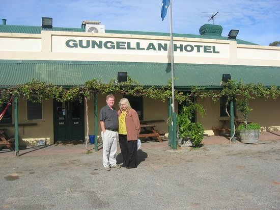 Barossa Valley, Australia: Gungellan Hotel made famous by the TV series McLeod's Daughters