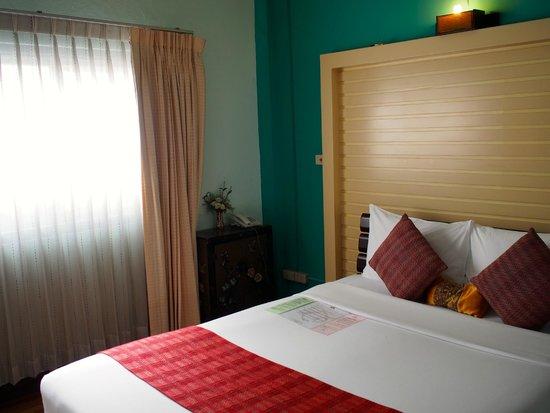 Maninarakorn Hotel : ベッドルーム1