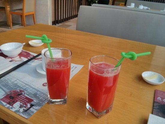 Din Tai Fung (Marina City Branch): Watermelon juice