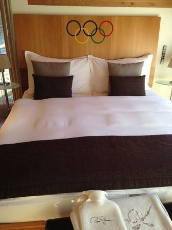 Suitenhotel Zurbriggen : The Olympia Suite bed...no pressure :)