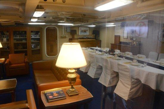 Captain 39 s cabin photo de battleship missouri memorial for Captain s cabin