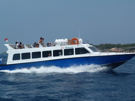 Serangan, Indonesien: Gili Getaway cruises at 28 knots